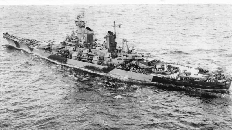 USS_Iowa_(BB-61),_1944.jpg