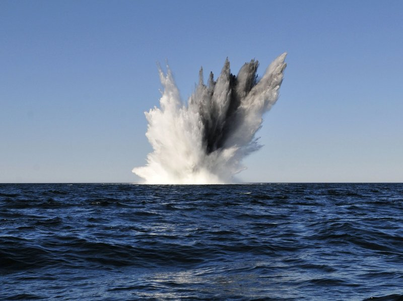 Explosion_of_WWII_mine_in_the_Baltic_Sea