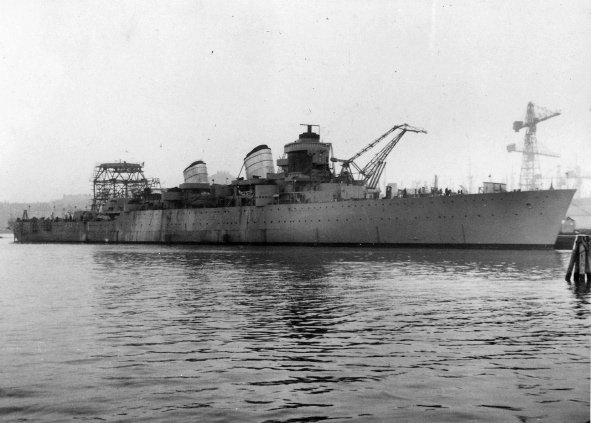 HMS_Tre_Kronor_during_construction.jpg