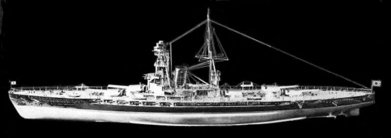 Model_of_battleship_Kaga_port_view_-_cle