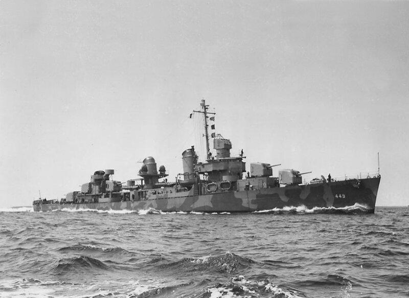 USS_Nicholas_(DD-449)_underway_in_May_19
