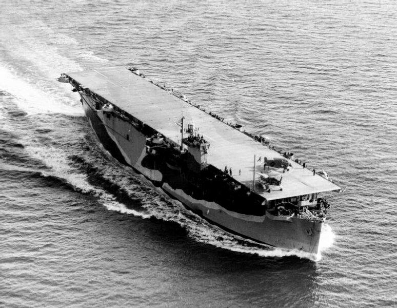 HMS_Biter_%28D97%29_underway_c1943.jpg