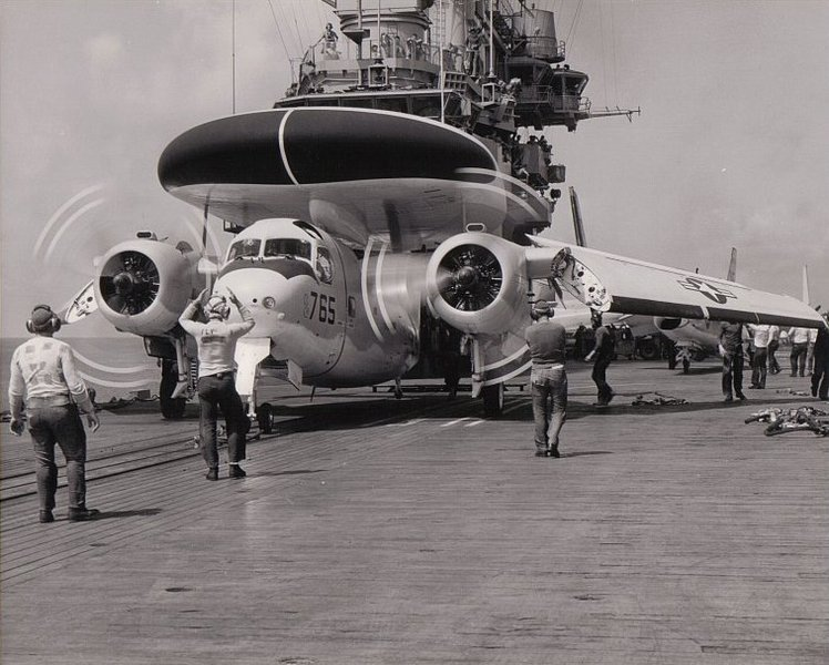 Grumman_WF-2_Tracer_of_VAW-11_Det._L_aboard_USS_Hancock_%28CVA-19%29_on_23_August_1962.jpg