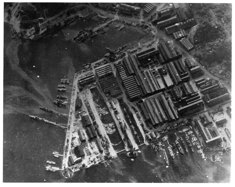 1280px-Yokosuka_naval_base_18_July_1945.