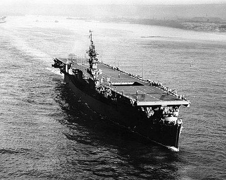 450px-USS_Belleau_Wood_%28CVL-24%29_unde
