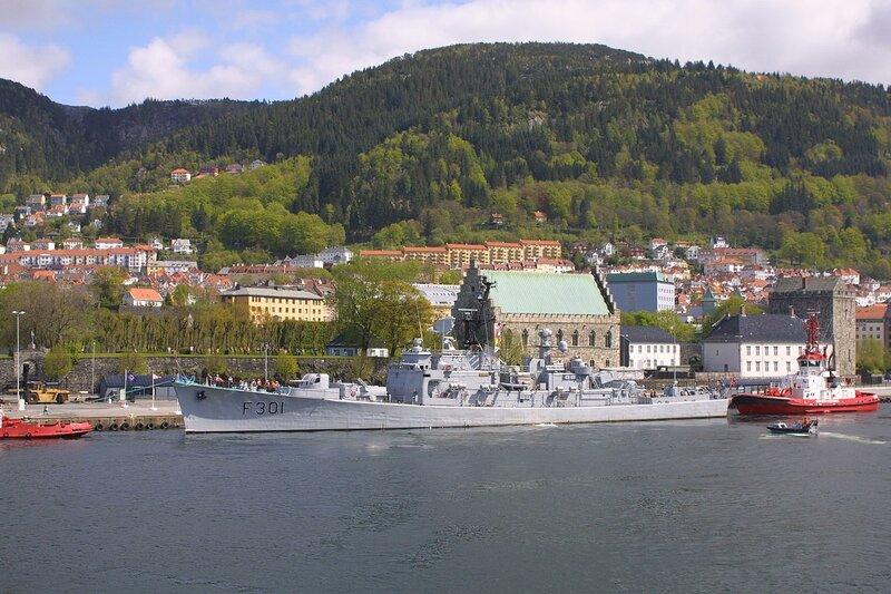 1280px-HNoMS_Bergen.JPG