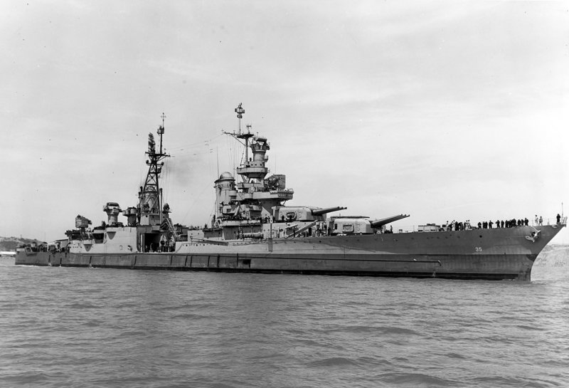 1280px-USS_Indianapolis_(CA-35)_off_the_