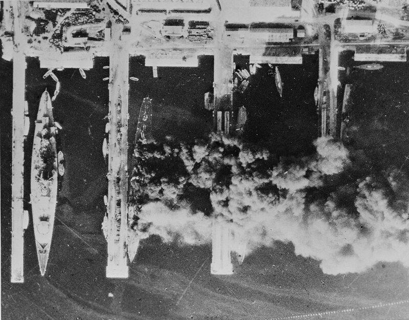 1280px-Toulon_1942.jpg