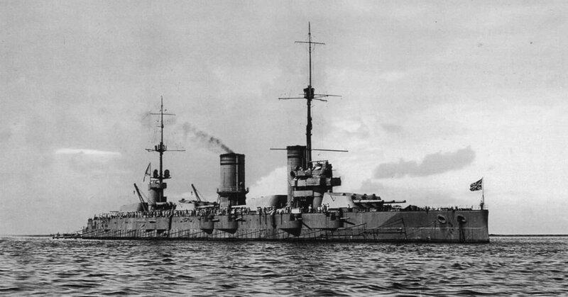 1920px-Gangut_battleship.jpg