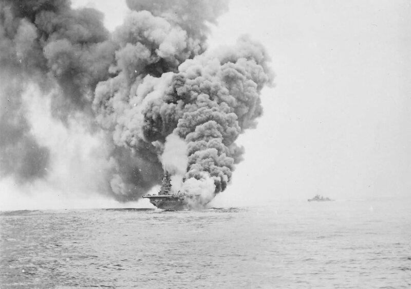 Burning_USS_Bunker_Hill_CV-17.jpg